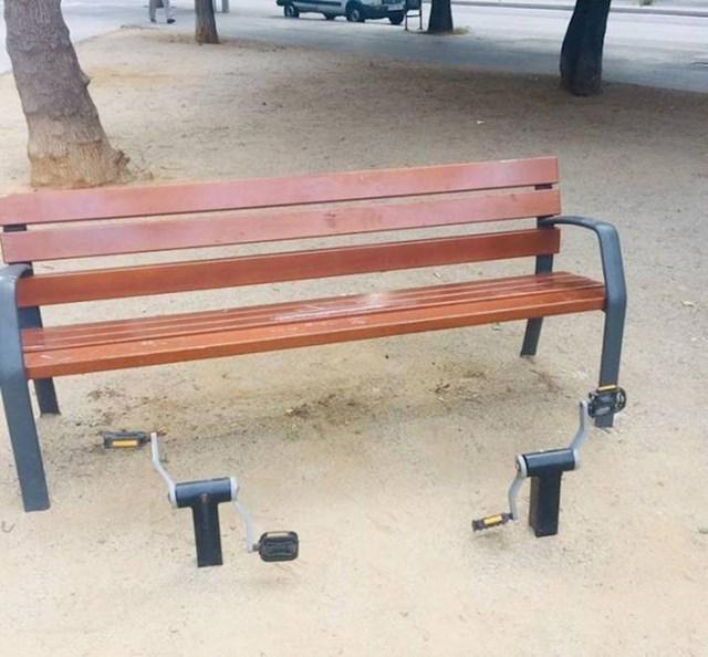 5. Klupa s pedalama u Španjolskoj