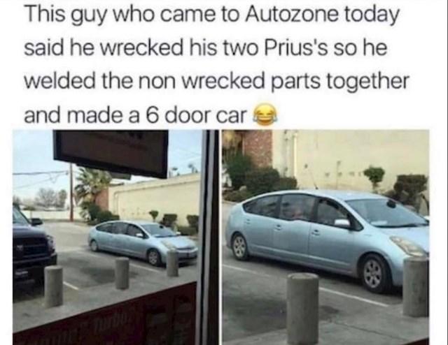 10. Vlasnik ovog čudnog auta rekao je je razbio svoja dva Priusa i sastavio nerazbijene dijelove auta te tako napravio auto sa šest vrata...