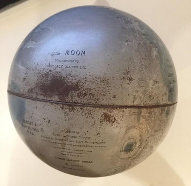 1. Naslijedila sam ovaj mjesečev globus od svoje bake