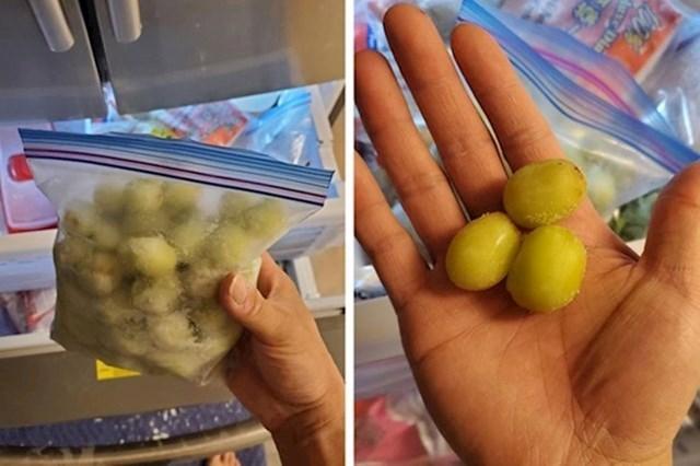 7. Možete smrznuti grožđe i grickati ga kad god poželite, čak ga koristiti umjesto leda u svojim pićima