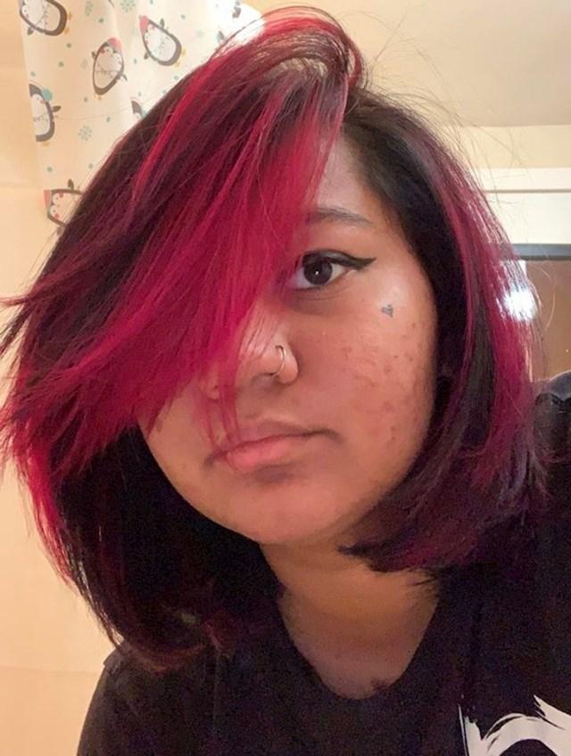 15. Htjela sam frizuru poput Dracule, upravo to sam i dobila.