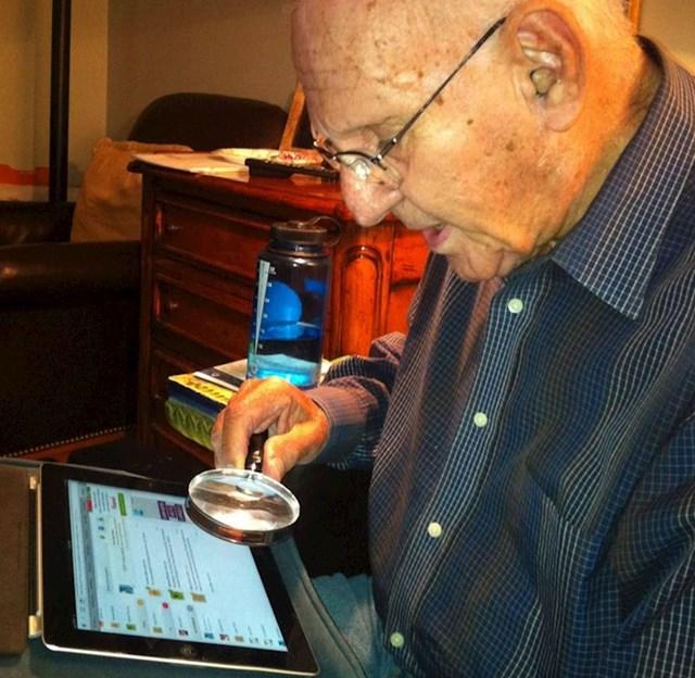 18. Kako moj djed čita s tableta