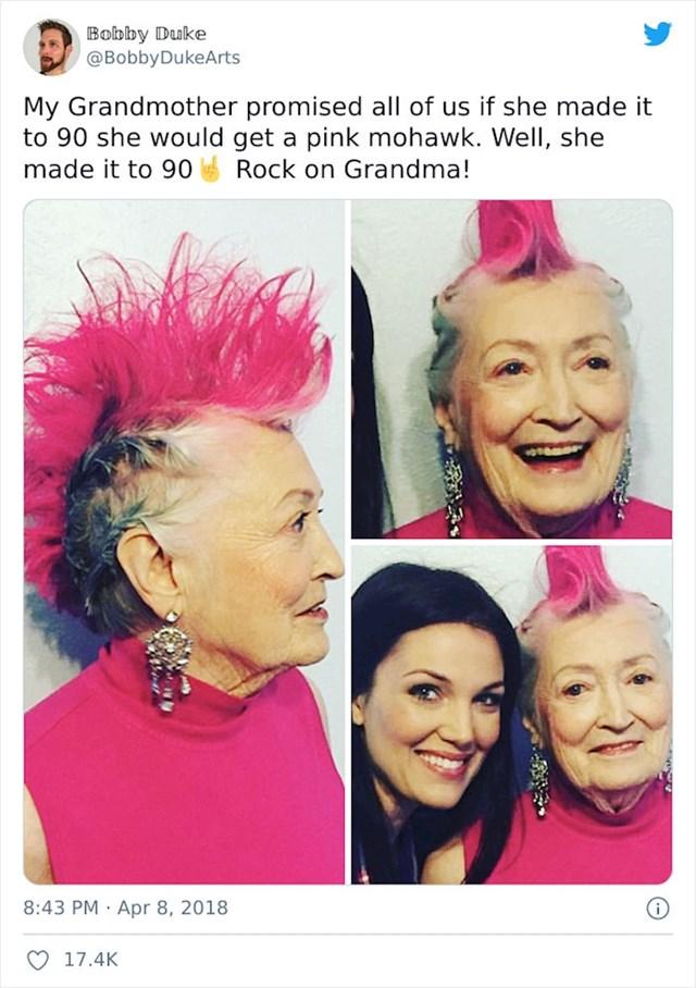 25. Baka nam je obećela da će napraviti rozu irokezu ako doživi 90 godina. Ispunila je obećanje!