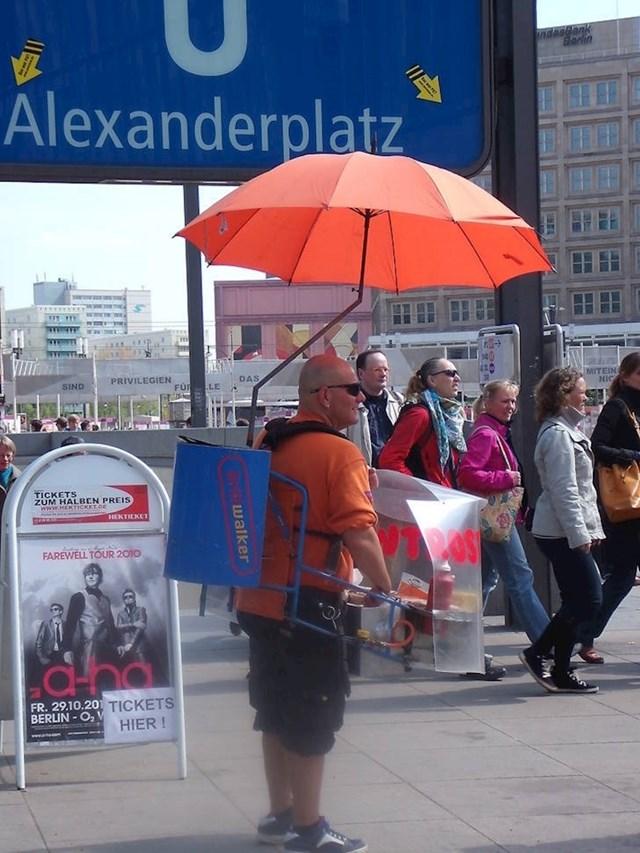 20. U Berlinu ne trebate tražiti hot dog - on će pronaći vas!