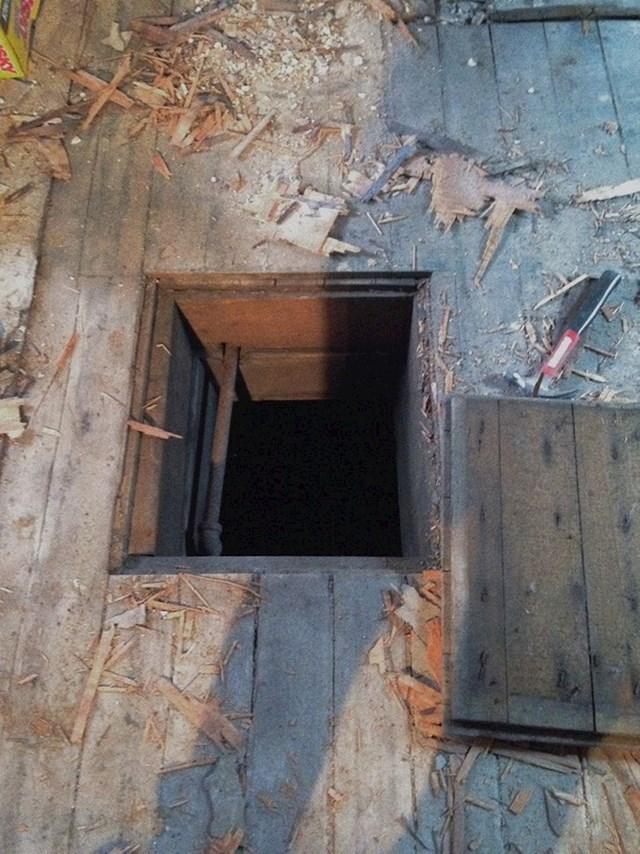 8. Otkrili smo prolaz u podu koji vodi do starog bunara...