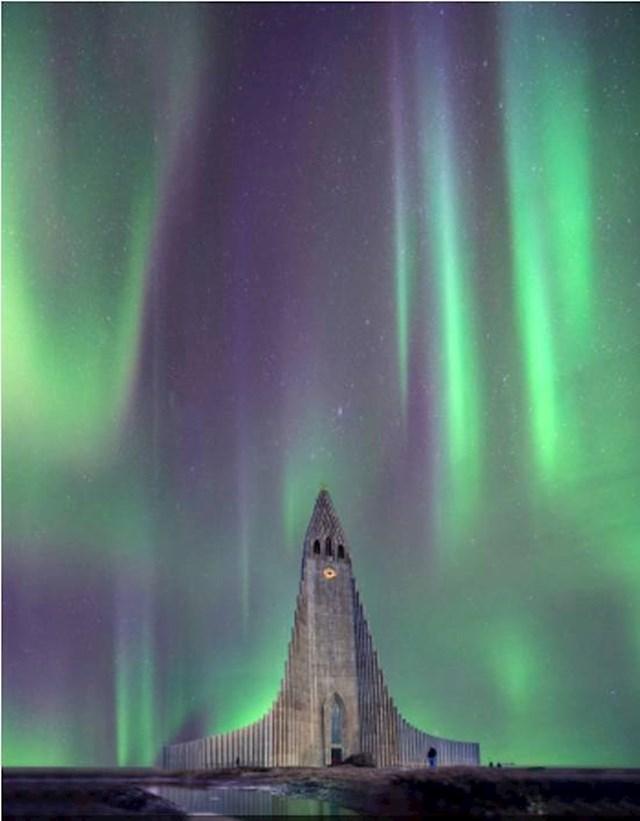 12. Na Islandu je polarna svjetlost vidljiva čak 8 mjeseci u godini!