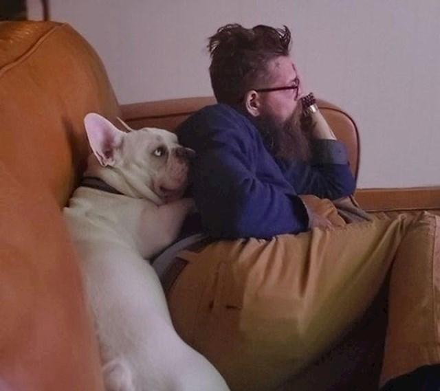 """""""Moj dečko nije htio psa. Rekao je da neće imati veze s njim. Pas se ne slaže s time."""""""