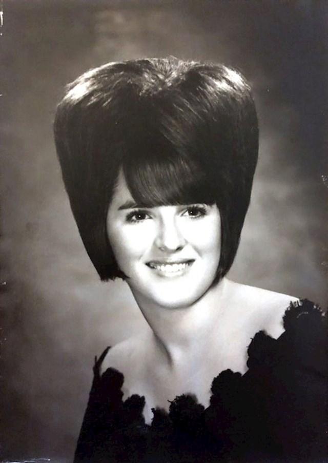 """7. """"Moja baka u školskom godišnjaku, 60-te"""""""