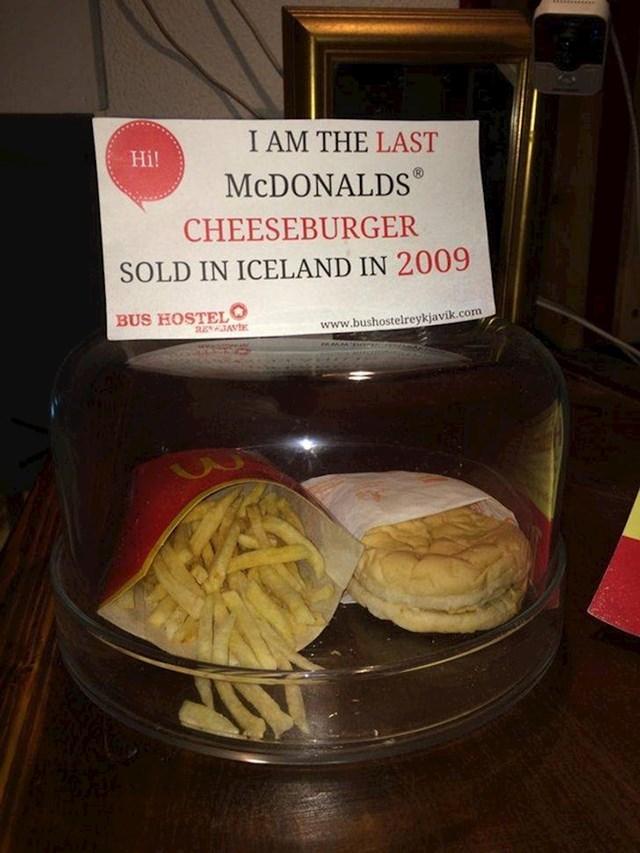 15. Na Islandu još od 2009. ne postoji McDonald'sov restoran.