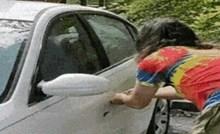 Ovo se zove hrabrost; nećete vjerovati kad vidite koga je lik morao spašavati iz zatvorenog auta
