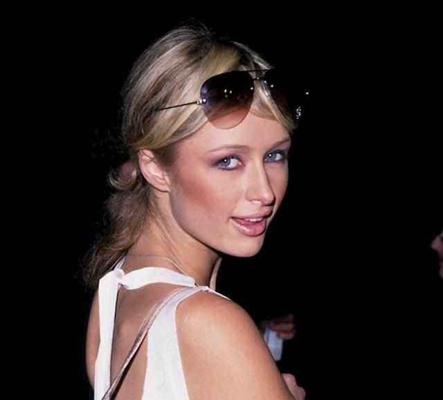 1. Paris Hilton zapravo nema plave oči