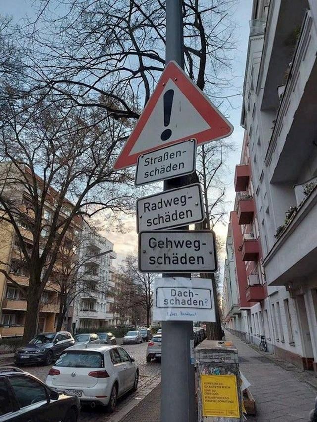 13. Obožavaju upozorenja na cesti...