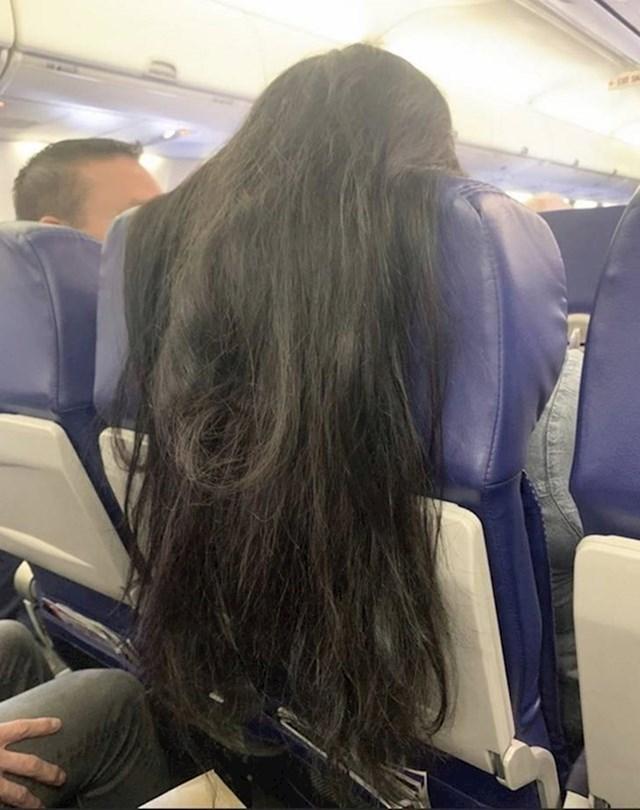 Zamislite samo da morate ovo trpjeti tijekom leta...