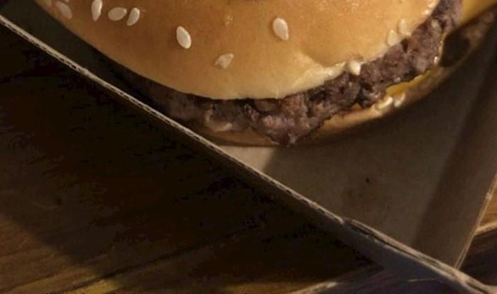Lik je tražio više sira u svojem burgeru, ono što je dobio potpuno ga je prenerazilo