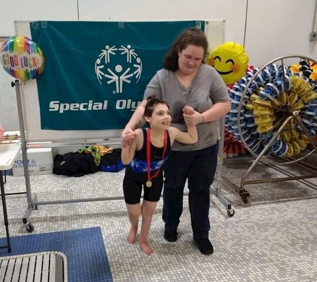 """14. """"Moja je kći osvojila medalju na paraolimpijadi. A liječnici su nam rekli da će umrijeti još kao dojenče. """""""