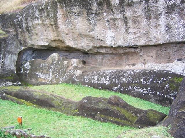 12. Jeste li znali da postoji nedovršena statua poput onih s Uskršnjih otoka?