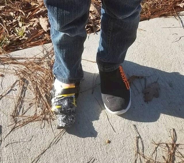 """8. """"Moj sin obukao je dvije lijeve tenisice, i to različite. Ipak, nije se zbunio nego je napravio ovo. Bio sam i šokiran i impresioniran."""""""