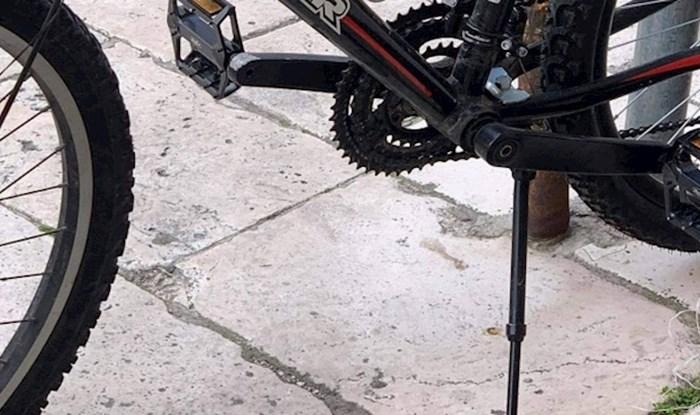 """Ekipa na Fejsu umire od smijeha na fotku bicikla koji je """"ostao bez goriva"""""""