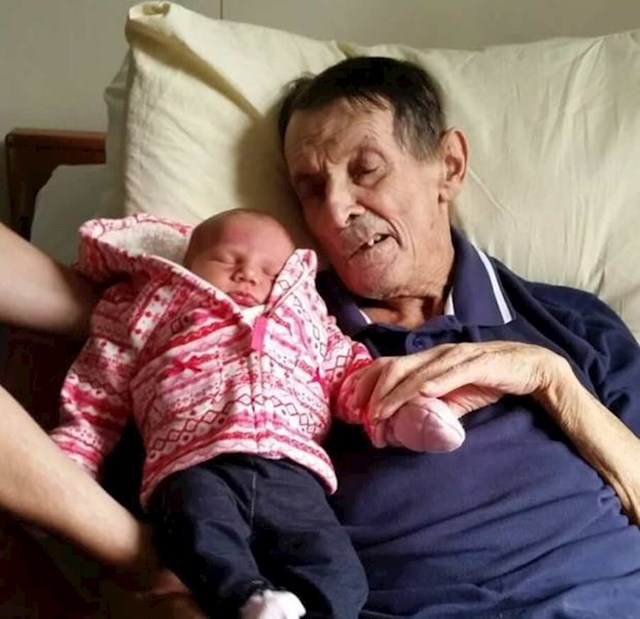 """""""Moj djed ispunio je obećanje i upoznao svoju praunuku."""""""