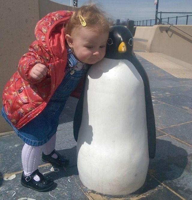 """""""Nije se htjela rastati od prijatelja pingvina."""""""