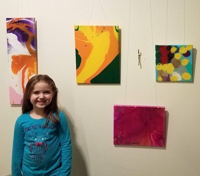 """10. """"Moja je kći postavila svoju prvu izložbu. Sav profit bit će doniran lokalnoj dobrotvornoj klinici. """""""