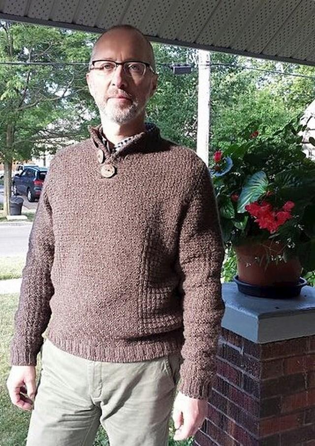 """""""Moj tata sam si je ispleo ovaj džemper."""""""