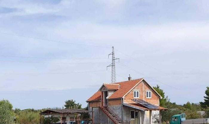 """Tisuće ljudi smiju se ovom """"apartmanu"""" iz Dalmacije, ovako nešto može se vidjeti samo kod nas"""