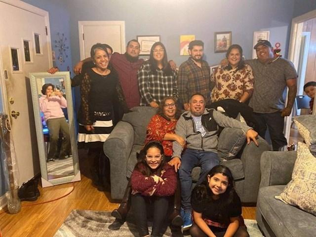 13. Evo rješenje kako da svi stanete u obiteljsku fotku.