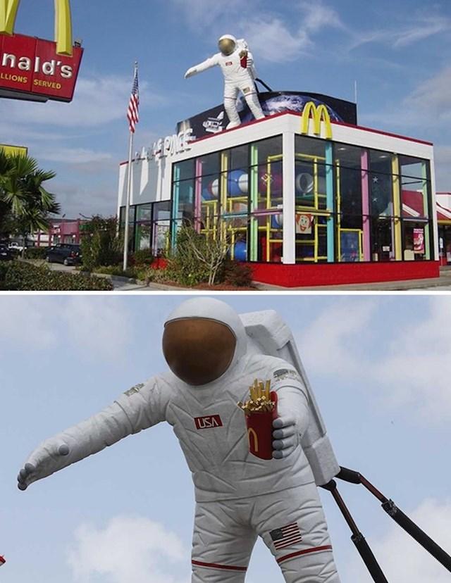 16. SAD, Taxas, Houston, u blizini NASA-inog svemirskog centra
