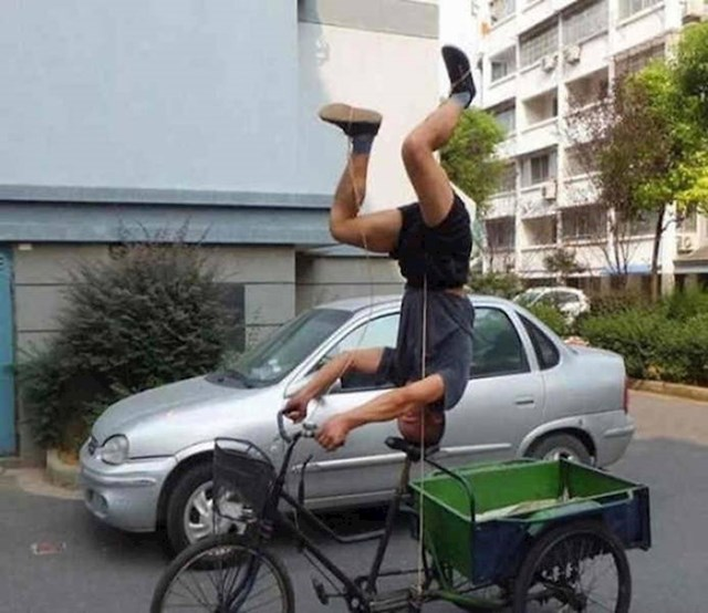 12. Bicikl se defitivno ne vozi tako.