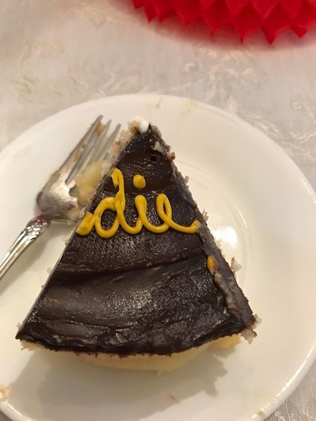 """3. Ono kad ti na torti piše """"umri""""."""