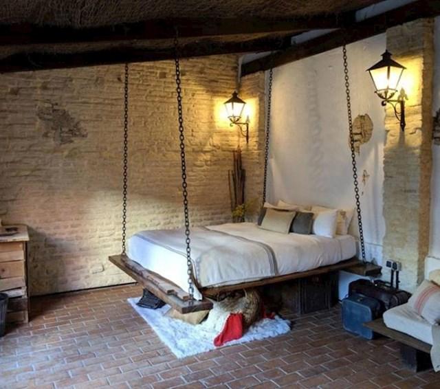 12. Unajmili smo sobu u Španjolskoj i ima najbolji krevet na svijetu!