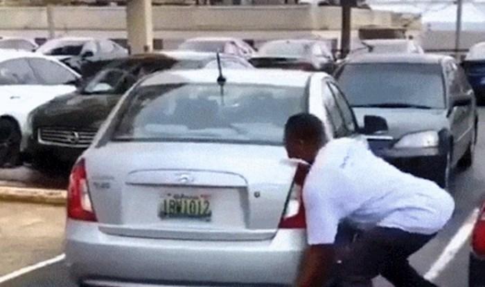 Iznervirao ga je način na koji je parkiran auto, pa je doslovno uzeo stvar u svoje ruke