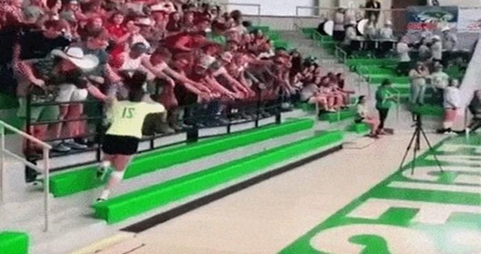 Košarkašica je pozdravljala publiku, ali to je dovelo do grozne nezgode na koju nije dobro reagirala