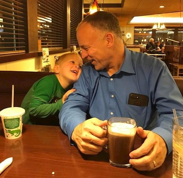"""12. """"Moj sin i ja nismo se vidjeli jedno duže vrijeme. Obojica nismo skidali osmjeh s lica."""""""