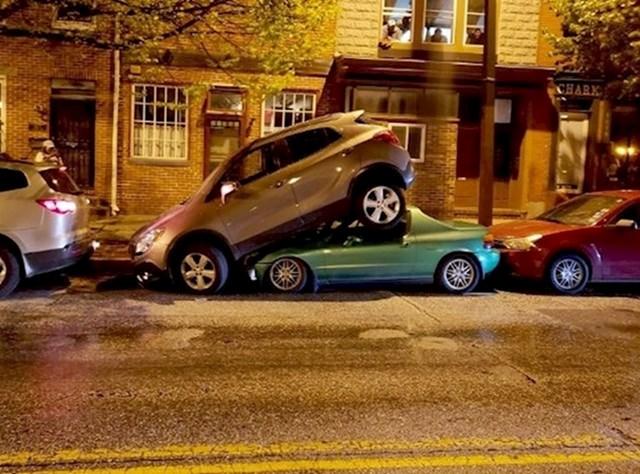 7. Borba oko parkinga.