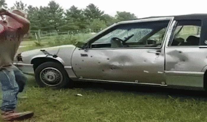 Tip je pokušao iskaliti bijes na starom autu, ali pretjerao je i loše završio