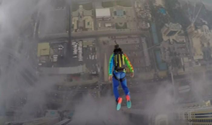 VIDEO Skokovi s najviše stambene zgrade u Dubaiju ostavljaju bez teksta