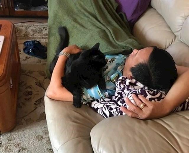 """""""Moj tata odgojen je među životinjama, ali smatra da one nisu za kuću. Mama mi je ovo poslala malo prije."""""""