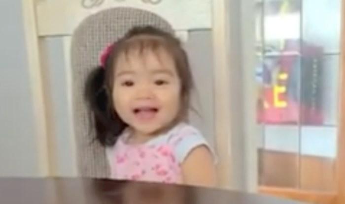 """VIDEO Djevojčica koja ne može reći """"banana"""" je nešto najslađe što ćete danas vidjeti"""