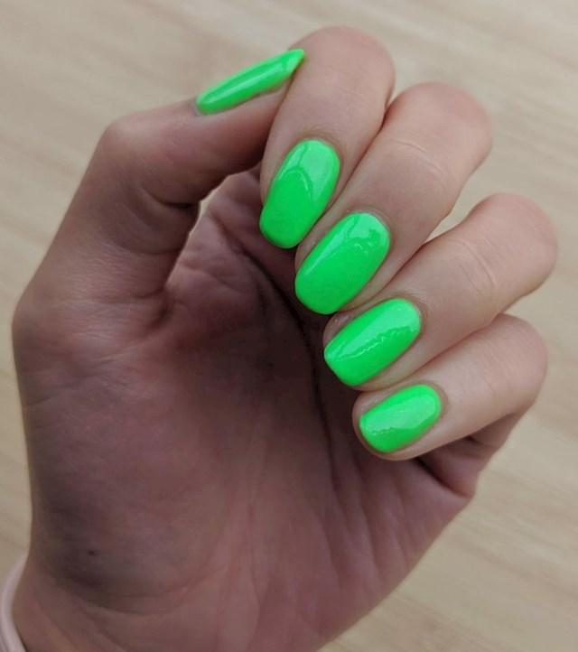 7. Neonske boje