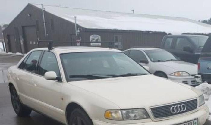 Protiv ovog auta zima nema šanse, pogledajte kako je opremljen za snijeg