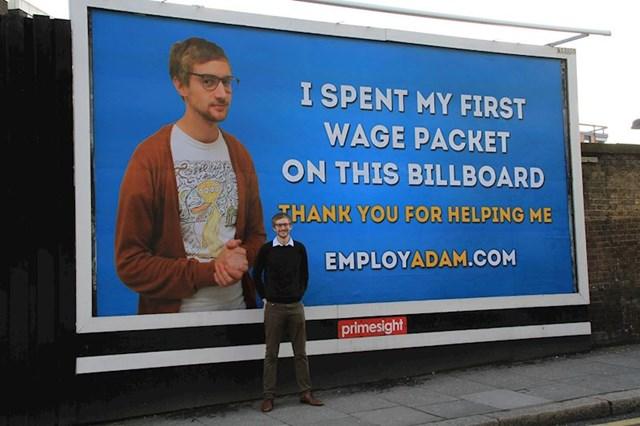 8. Ovaj čovjek potrošio je posljednjih 500 funti ušteđevine na plakat u nadi da će ga netko zaposliti.