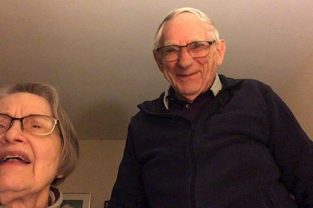 9. Mjesecima nisam vidio baku i djeda. Danas su napokon naučili kako koristiti Facetime. Ovo su njihova lica kad smo se konačno ugledali.