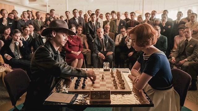 #12 Partije šaha u seriji potpuno su autentične.