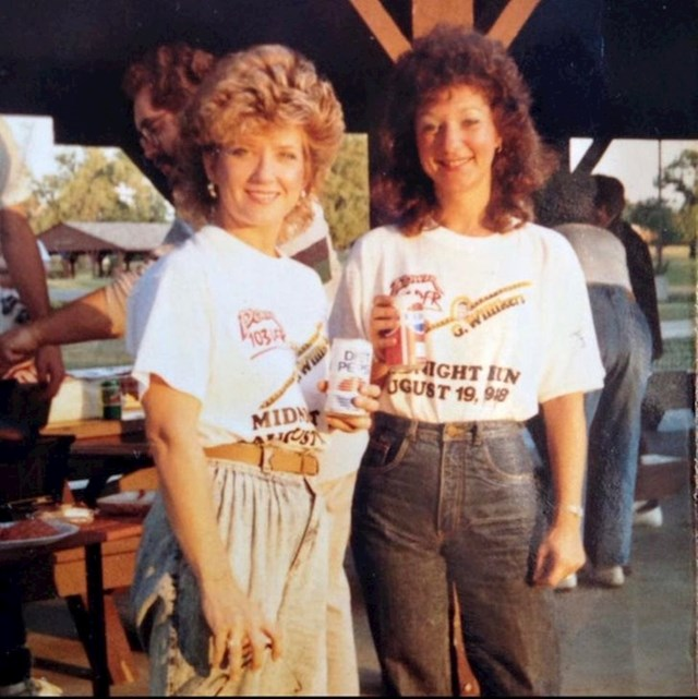 """9. """"Moja mama i njezina najbolja frendica 1988."""""""