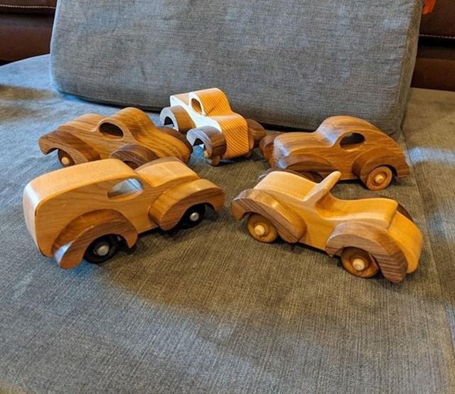 4. Moj tata u penziji je počeo izrađivati stvari od drveta. Počeo je od od olovaka, a sada već radi igračke za unuke.