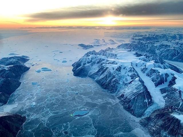 """""""Letio sam iznad Greenlanda i dogodilo se čudo - nije bilo niti jednog oblaka!"""""""