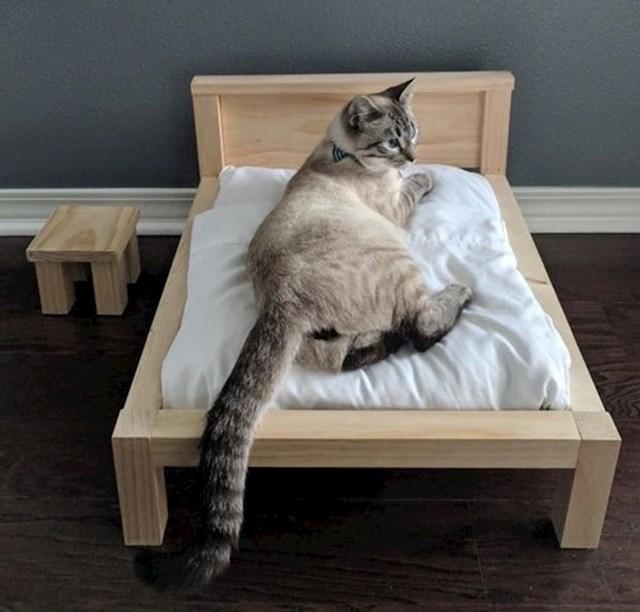 """5. """"Muž mi je rekao da radi okvir za krevet. Mislila sam da se radi o okviru za NAŠ krevet...ali prevarila sam se."""""""