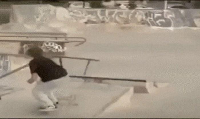 Skejter je skoro ozlijedio djevojčicu, ali sve je ispravio genijalnim trikom